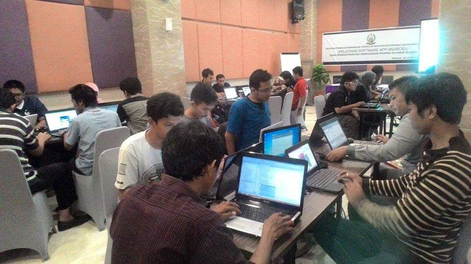 in-house-training-android-di-dinas-perindustrian-pemprov-sulsel.jpg